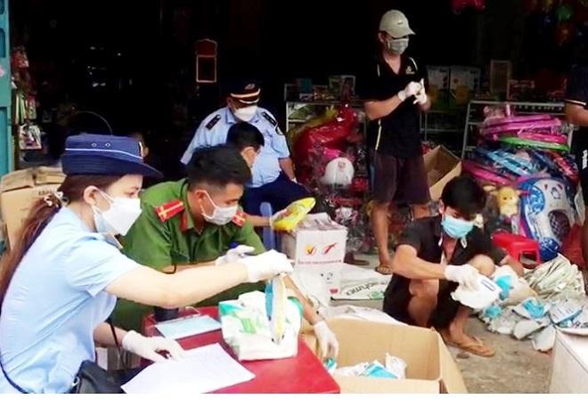 An Giang: Thu giữ trên 12.000 chai, gói thuốc bảo vệ thực vật hết hạn sử dụng