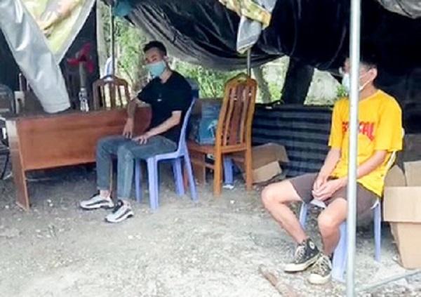 Xe khách chở 4 người nước ngoài không giấy tờ tùy thân