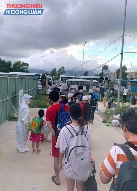 Những bệnh nhân được đưa qua bệnh viện phổi Đà Nẵng