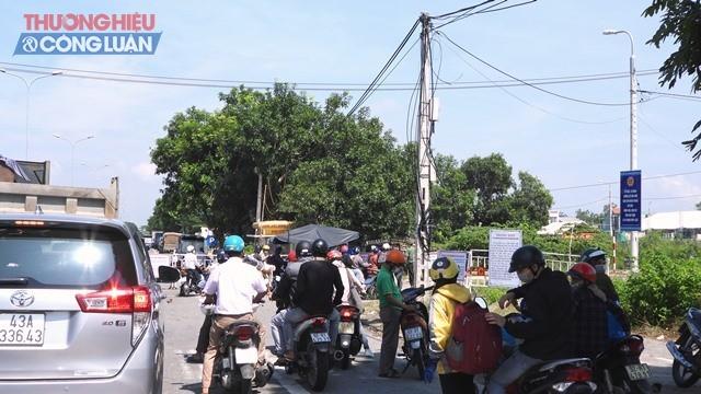 Chốt kiểm tra xe mô tô tại Hòa Phước