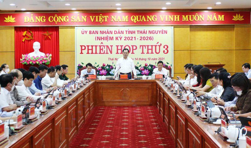 Ông chí Trịnh Việt Hùng, Ủy viên dự khuyết Trung ương Đảng, Phó Bí thư Tỉnh ủy, Chủ tịch UBND tỉnh chủ trì phiên họp thứ 3 của UBND tỉnh Thái Nguyên.