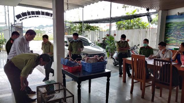 Đoàn kiểm tra Nhà hàng Sơn Hải 3, Thị xã Hương Thuỷ, Thừa Thiên Huế